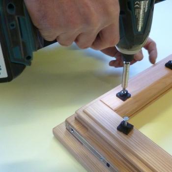 1) Fissaggio clips per alluminio